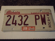 1999 ILLINOIS Land of Lincoln B TRUCK License Plate 2432 PW