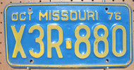 1976 Oct Missouri X3R-880 License Plate DMV CLEAR
