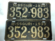 PAIR of DMV Clear 1939 MISSOURI Passenger License Plates YOM Clear 352-983 MO