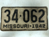DMV Clear 1942 MISSOURI Passenger Shorty License Plate YOM Clear 34-062 MO