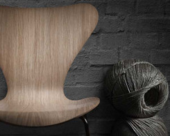 Fritz Hansen - Series 7 chair (Oak veneer)