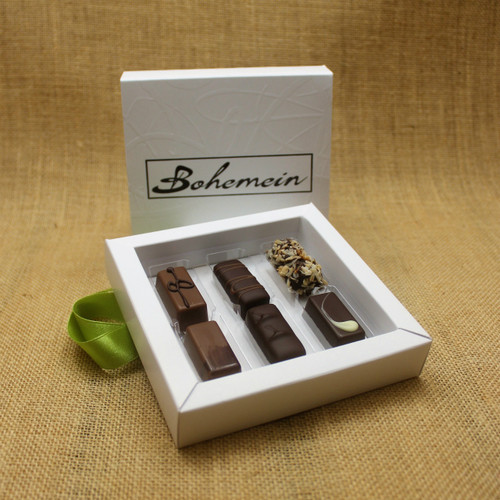 Bohemein Gift Box with 6 Non Alcohol Flavoured Chocolates including: Vanilla Cream - Milk, Noisette (Hazelnut), Coconut Cream Truffle, Chocolate Caramel, Balsamic Vinegar and Honey Ganache, Pineapple and Black Pepper Ganache