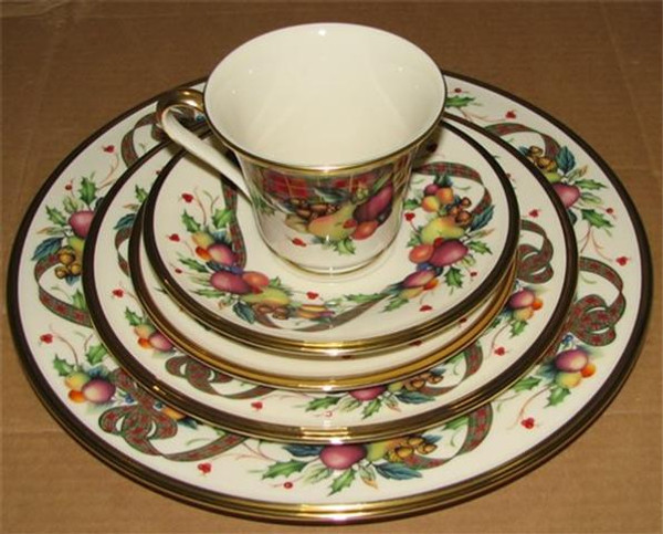 Lenox Holiday Tartan 5pc Christmas China With Soup Bowl