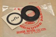 NOS Honda CT200 CT90 Trail 90 Rear Wheel Oil Seal 91253-033-000