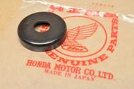 NOS Honda CB350 F CB400 F CB450 CB550 CB750 CBX CL360 CL450 CR250 MR250 MT250 XL250 XL350 Swing Arm Dust Seal Cap 52144-362-000