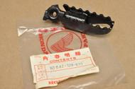 NOS Honda XL250 K0-K2 Left Foot Peg Step 50642-329-670