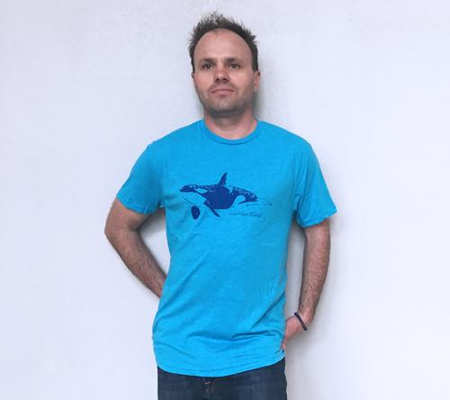 Orca Whale Men's Tee - Vintage Blue