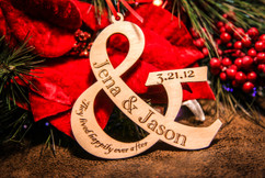 Grpn BE - Personalized Christmas Ornament - Couple Ampersand