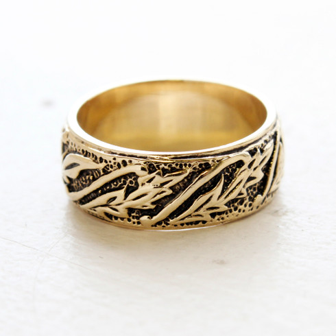 Vintage Antiqued 18k Yellow Gold Carved Leaf Ring Made in the USA