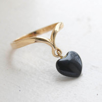 Vintage Ring Dangling Heart Shaped Onyx Stone Ring 18k Yellow Gold Electroplated 1970s Era Made in USA