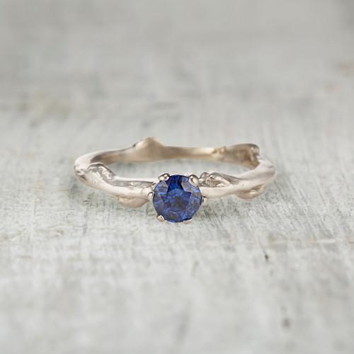 Aurora Solitaire Ring - Sapphire