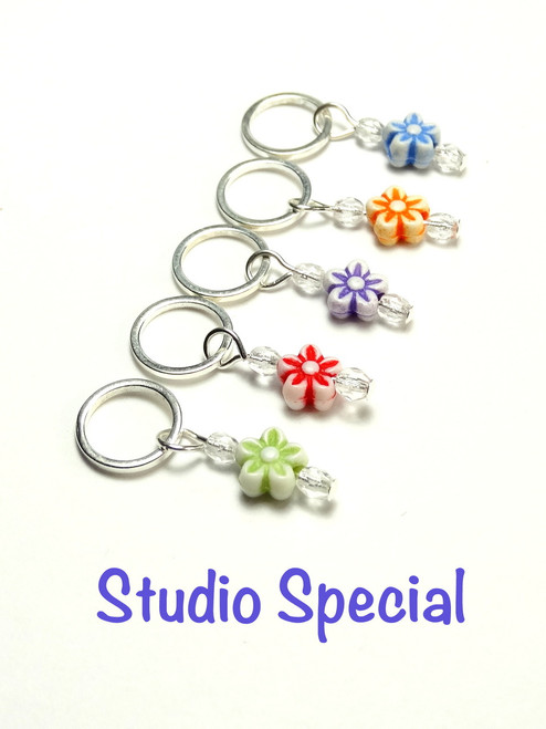 5 Mixed colours Flower stitch markers 7mm needles