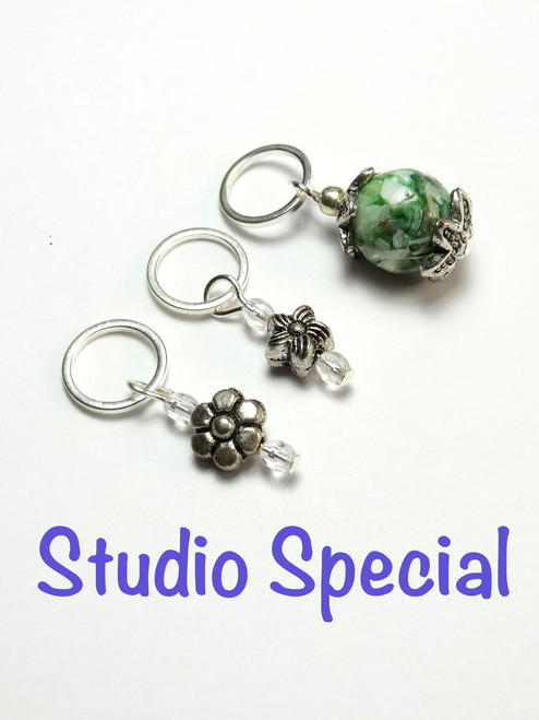 Set of 3 Flower stitch markers 7mm needles