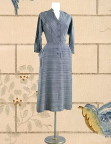 The definitive 1940s day dress