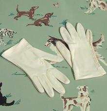 1950s cream nylon gloves