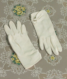 1940s white nylon gloves
