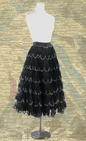 1940s Taffeta skirt with crocheted lace