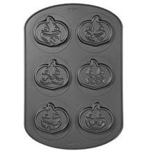 Wilton Pumpkin Cookie Candy Non Stick Baking Cake Pan Halloween Party Treats