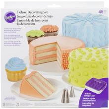 Wilton Cake Decorating Decoration Deluxe Set 46 pc 18 tips 24 Bags Spatula Case