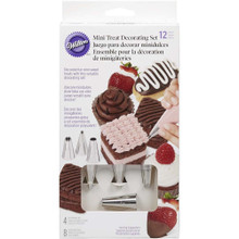 Wilton 12 pc Cake Treat Decorating Set Tips 5 12 16 32 and 8 disposable bags
