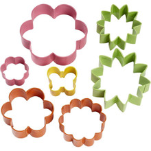 Wilton Easter Spring Flower Garden Colorful Metal Cookie Cutters 7 Pc Set