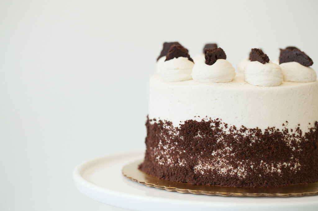 Cookies & Cream Baked Cake or Cupcakes