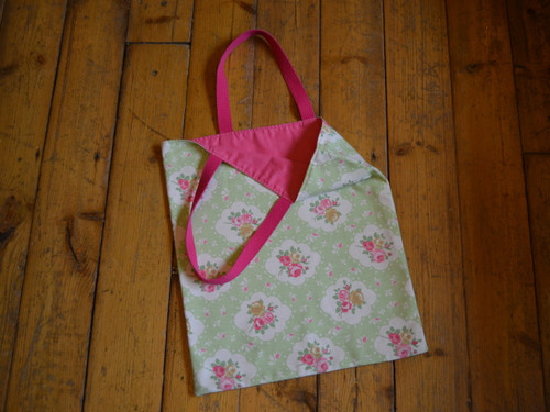 Lovely Lined Shopper Bag at The Sewing Cafe - workshop