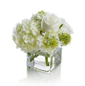 An introduction to vases albuquerque florist for Small fresh flower table arrangements