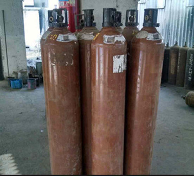 Helium gas (Returnable empty cylinder) 40 Liters cylind