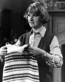 Penelope Keith Poster and Photo 1026953 | Free UK Delivery ...
