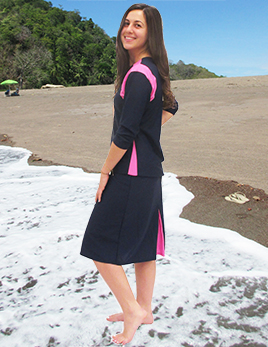 model-wearing-style-2631-in-navy-side-view-in-costa-rica-small.jpg