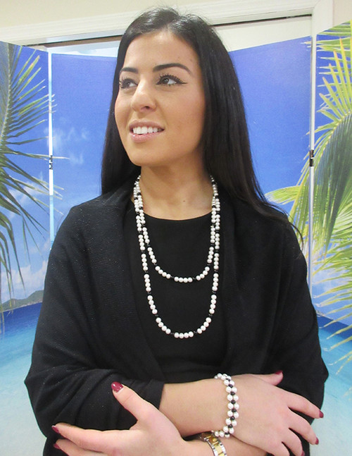 AM style 1805 hand strung genuine pearl necklace with genuine onyx