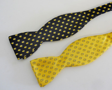 Silk Printed Bow Tie by Global Neckwear