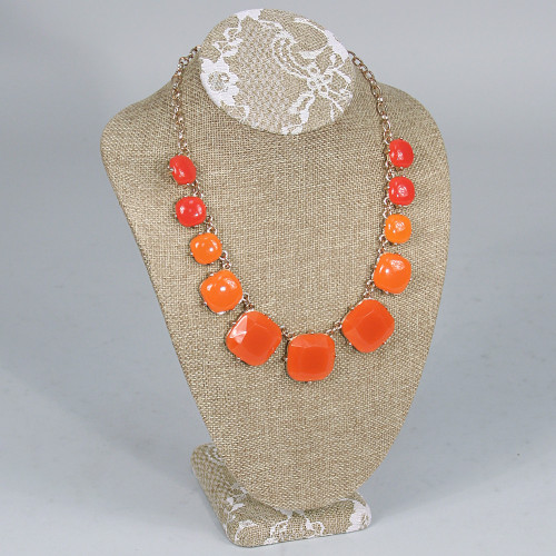 "Necklace Display 7 ½"" x 5 1/8"" x 11"" H, Burlap Lace"