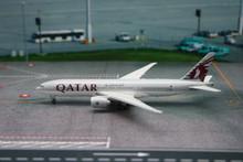 Phoenix Qatar Airways Boeing 777-200LR 1/400