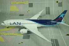 Phoenix LAN Boeing 787-8 1/200