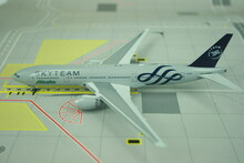 Phoenix Alitalia Boeing 777-200ER 'Skyteam' 1/400