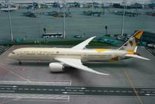 Phoenix Etihad Airways Boeing 787-9 1/200