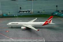 Phoenix Qantas Airbus A330-300 1/400