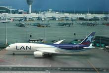 Phoenix LAN Chile Boeing 787-9 1/200