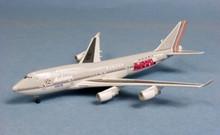 "Dragon Wings Asiana ""Football"" Boeing 747-400 1/400"