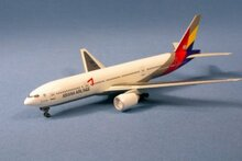 Dragon Wings Asiana Airlines Boeing 777-200 1/400
