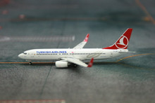 Phoenix Turkish Airlines Boeing 737-800 1/400