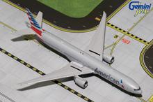 GeminiJets American Airlines Boeing 777-300ER 1/400 GJAAL1580