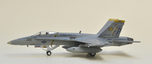 Gulliver 200 F / A - 18 C VFA - 192 Golden Dragons NF 300 1/200