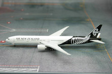 Phoenix Air New Zealand Boeing 777-300ER 1/400