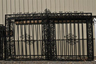 "GRAND LARGE DRIVEWAY ESTATE ENTRY GATE IN IRON AND TUBULAR METAL 83"" WIDE"