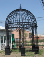 "INTRICATE LEAF DESIGN CAST IRON VICTORIAN STYLE GARDEN GAZEBO WITH WROUGHT IRON DOMED TOP, 220"" TALL"