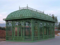 ENORMOUS CAST IRON GARDEN GREENHOUSE , CONSERVATORY OR PAVILION. VICTORIAN STYLE, INCLUDES TOP PANEL & TEMPERED GLASS 50-03361
