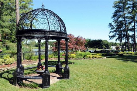 10 FOOT ROUND VICTORIAN GAZEBO IN CAST IRON, DOMED OPEN ROOF AND BENCH  SEATING